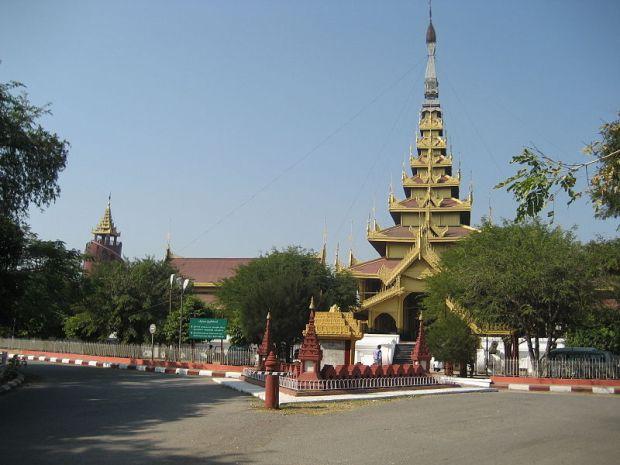 800px-Mandalay_Palace