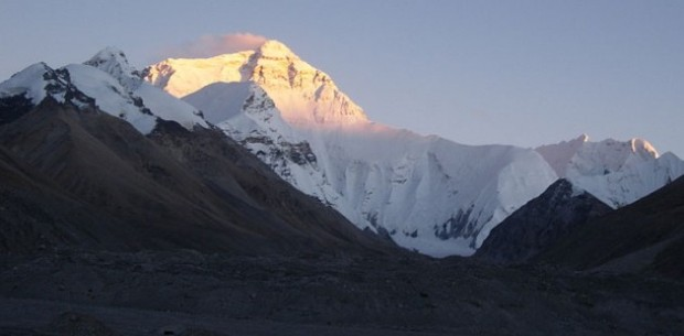 800px-Everest_Sunset_memes_2008-630x310